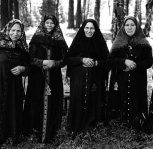 Выставка Льва Зильбера «Старообрядцы-беспоповцы Нижегородской области 1988-1998»